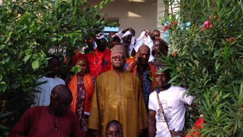 Akere Muna visited the residence of former President Ahmadou Ahidjo (c)All rights reserved